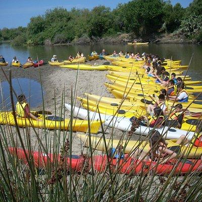 discesa fluviale con gruppo studenti
