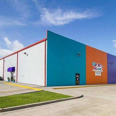 Louisiana's Largest Indoor Inflatable Playground