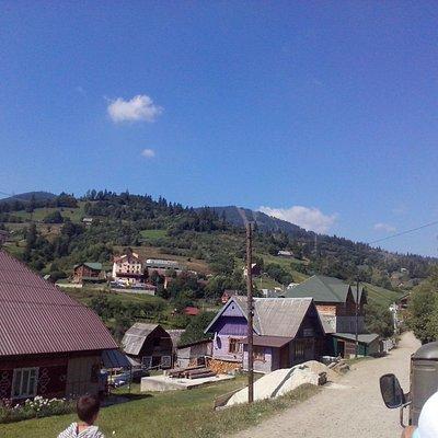 Вид на гору Тростян из Славского