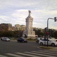 Monumento de los españoles y alrededores