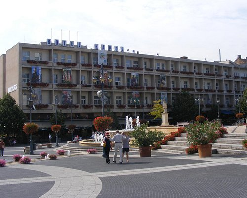 The contrasting 4'th side of the square