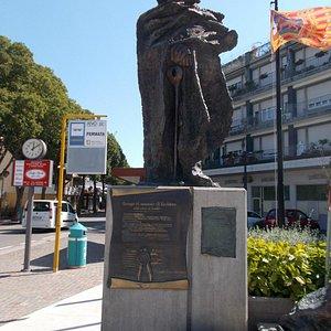 Piazzo Drago / Carabinieri Monument