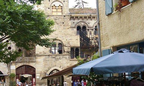 Architectonisch hoogtepuntje in Saint-Antonin
