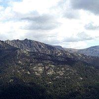 Vista de 7 Picos y la Maliciosa desde el valle de la Fuenfría