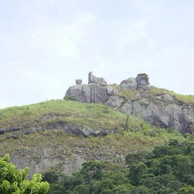 Pedra do Macaco vista de longe