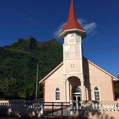 Vaitape's Protestant church; just north of the road to the trail for Mt. Pahia (background)