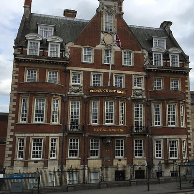 Cedar Court Grand Hotel and Spa - Front