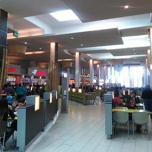 Mall Plaza Tobalaba. Más de lo mismo.