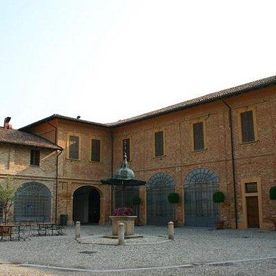Certosa Cantù cortile interno