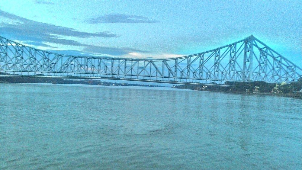 a try to capture howrah bridge.