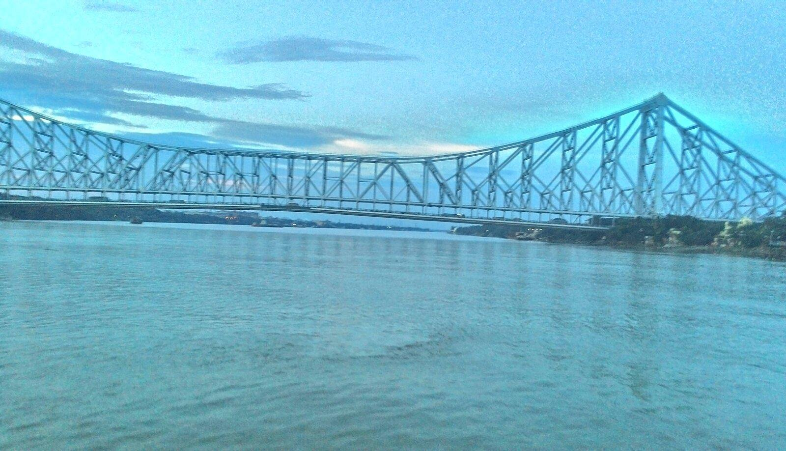a try to capture howrah bridge.