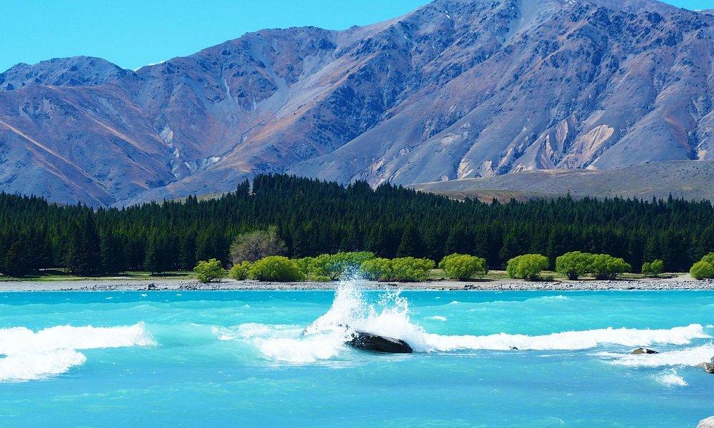 vento gelado à beira do Lake Tekapo
