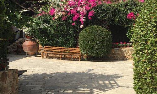 Монастырский сад и двор в сентябре