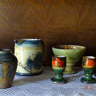 Lovely Pottery-love the colors