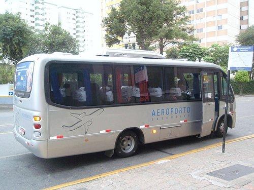 Foto do ônibus.