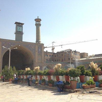 Vista fronta da mesquita