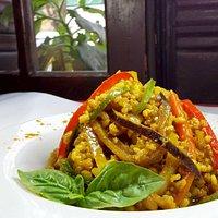 Yakimeshi, verduras al Wok con arroz Yamaní (un clásico de Buddhi)