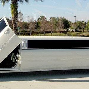 Dodge Magnum with Lambo doors!