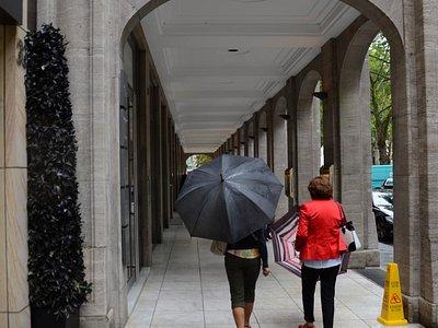 Wejście do pasażu w Girardet-Haus