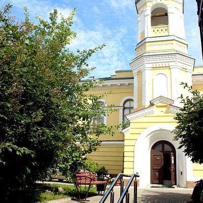 Здание краеведческого музея, в котором расположен малый зал