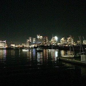 Piers Park de noche
