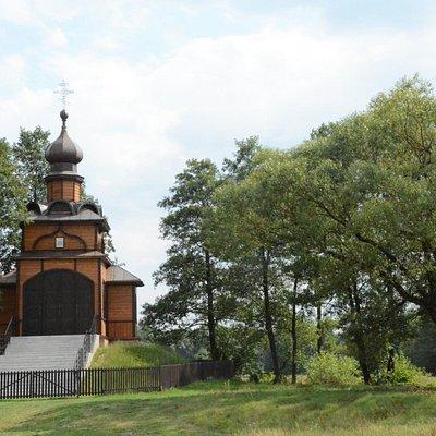 Orthodox chapels around monastery in Jabłeczna