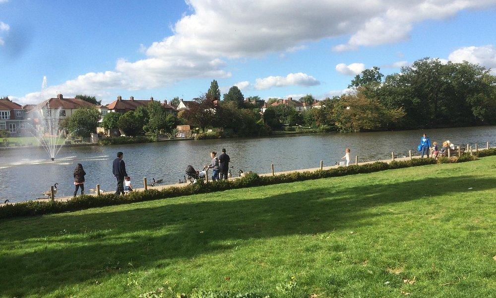 Raphaels park lake