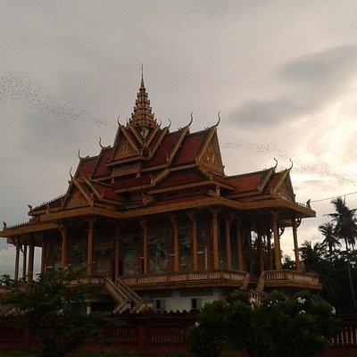 Wat Phnomsompov Pagoda mountain
