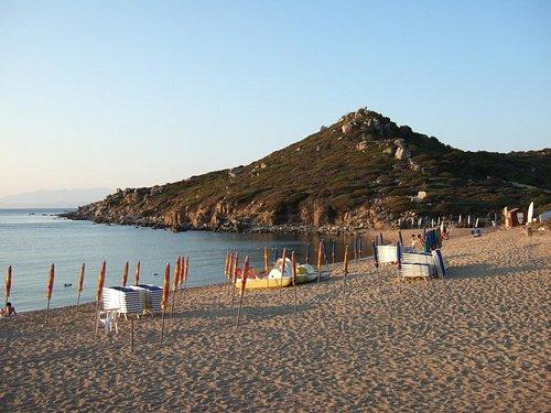 Questa la spiaggia di Porto Quadro, in fondo l'area cani denominata Porto Fido