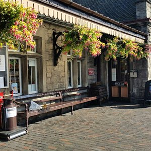 a beautifull sunny location on the platform outside the railwaymans arms at the severn valley ra