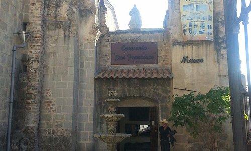 Puerta de ingreso al Museo