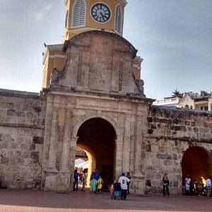 hermoso monumento en Cartagena de Indias