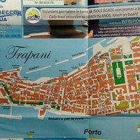 В турофисе выдают бесплатную карту и снабжают полезными сведениями