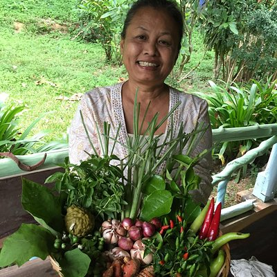 Delicious food and fun batik on Koh Jum...