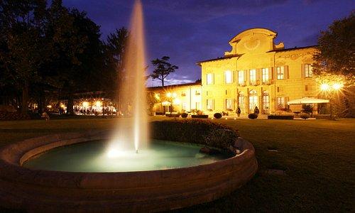Facciata di Palazzo Colleoni - notte
