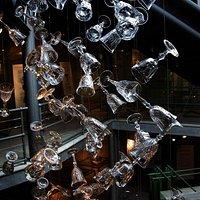 cascata di bicchieri