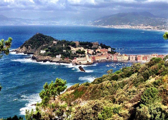Utsikt över Sestri Levante från Punta Manara