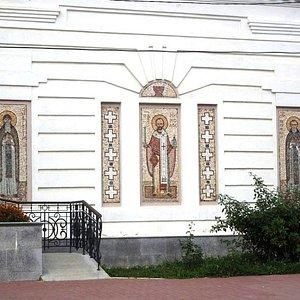 Мозаики на фасаде