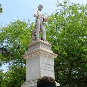 Estatua del patriota