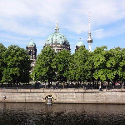 vista do outro lado da ponte - Ilha dos Museus