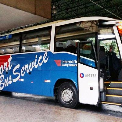 Esperando el llamado para subir al Bus.