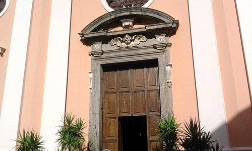 L'ingresso della Chiesa parrocchiale di San Marco