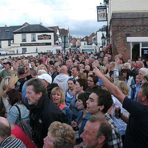 Kings Head during Upton Blues