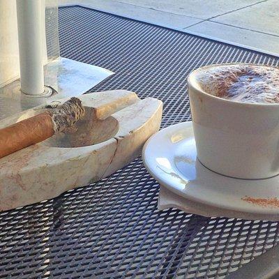 La Casa Del Habana - Cigar & Coffee