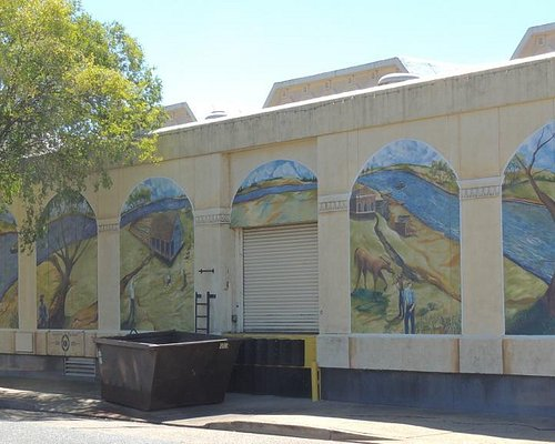 Louissiana Purchase mural across 2nd Street (there's more around the corner)