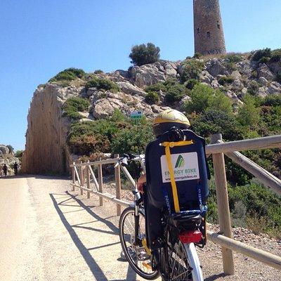 Rutas mar-montaña en bicicleta eléctrica, alquiler con o sin guía..