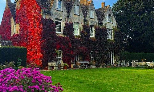 Finial House - Broadwell