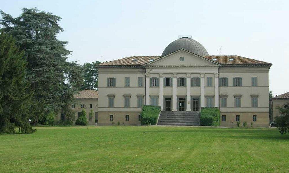Villa Levi, Coviolo. Vista della faccaita principale dal parco