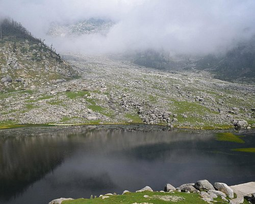 Kareri lake from the temple