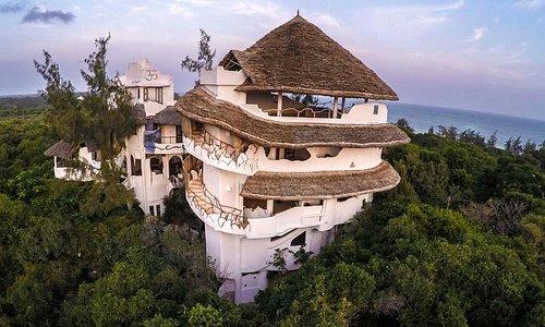 The Watamu Treehouse Yoga Centre - yoga deck on roof